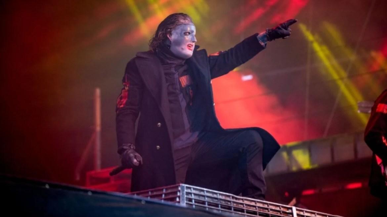 Slipknot interrompe show para impedir tragédia no mosh pit
