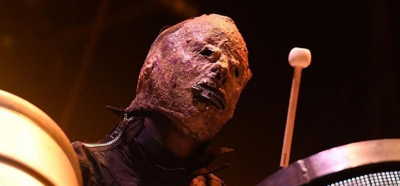 Tortilla Man usa tortilla como máscara em show