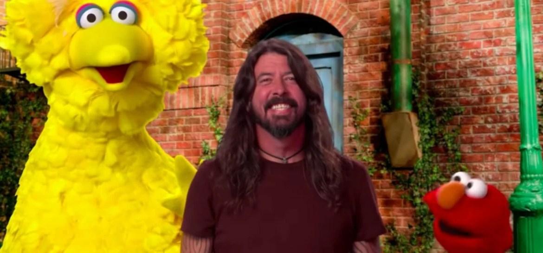 Dave Grohl participa da 'Vila Sésamo'