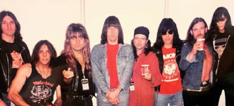 Motörhead posta foto com membros dos Ramones