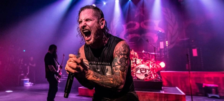 "Stone Sour lança vídeo ao vivo de ""Whiplash Pants"""