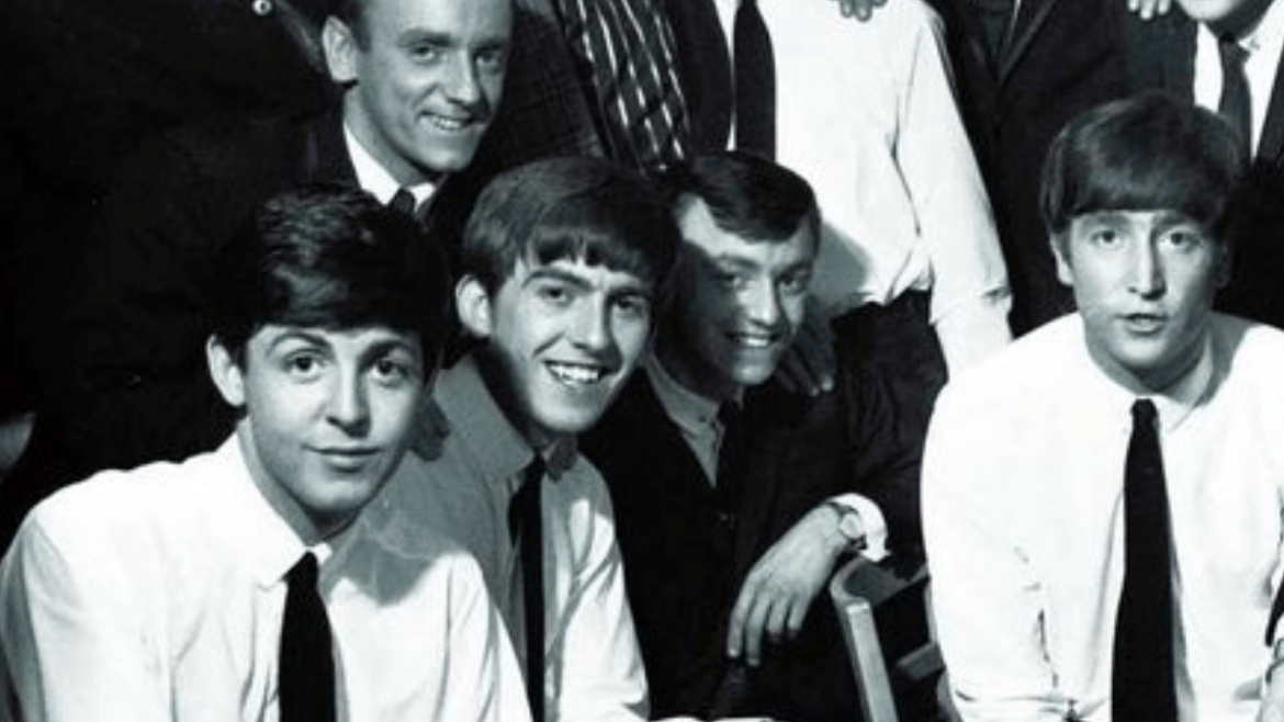 Paul McCartney, George Harrison, Freddie Marsden, Gerry Marsden e John Lennon