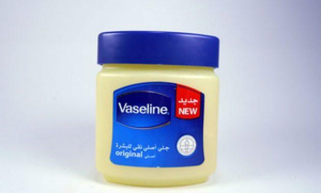 Petroleum Jelly atau Vaseline