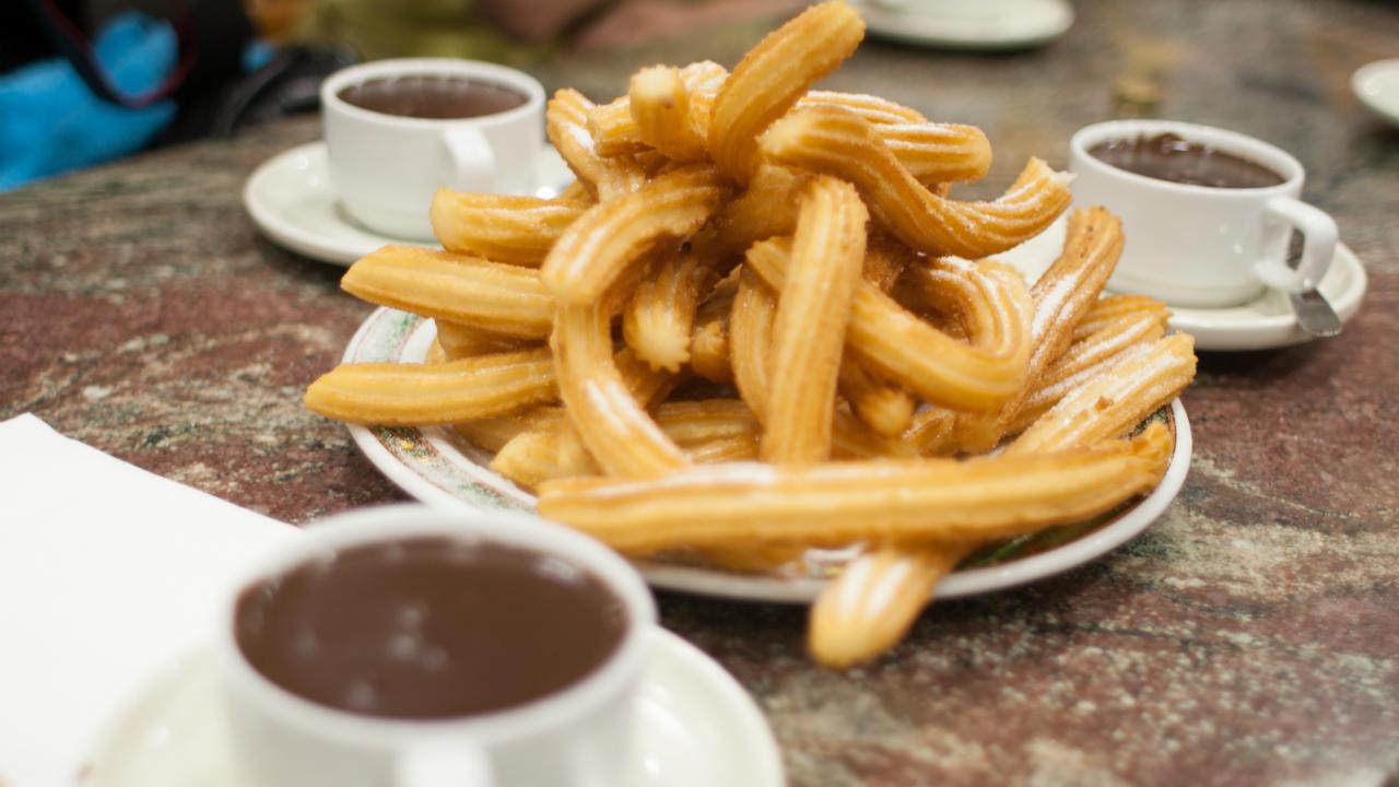 De Spaanse Oliebollen: Churros (con o sin chocolate)