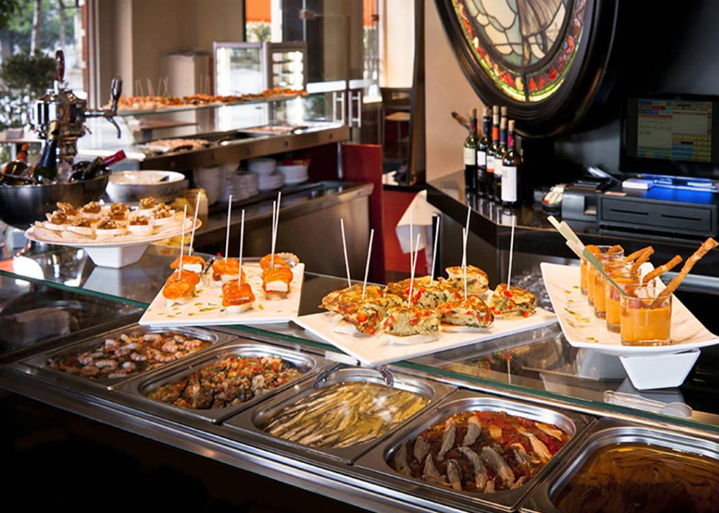 Hulpmiddel bij het bezoek van een Spaanse bar zonder internationale gerechtenkaart