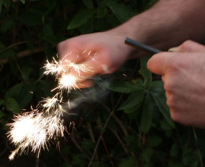 SpitFire Pocket Fire Lighting Kit - image  on https://www.wild-survivor.co.uk