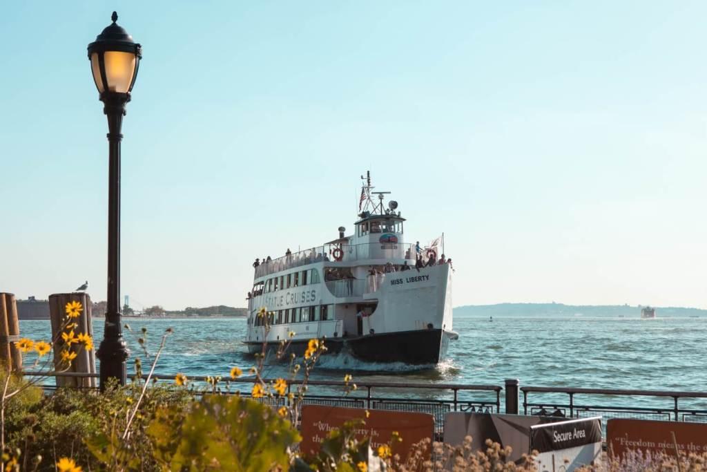 Ausflugsschiff New York City
