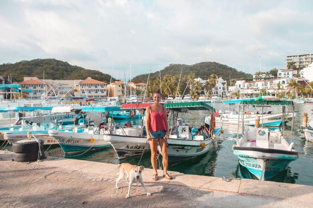 Strände von Oaxaca Santa Cruz Hafen