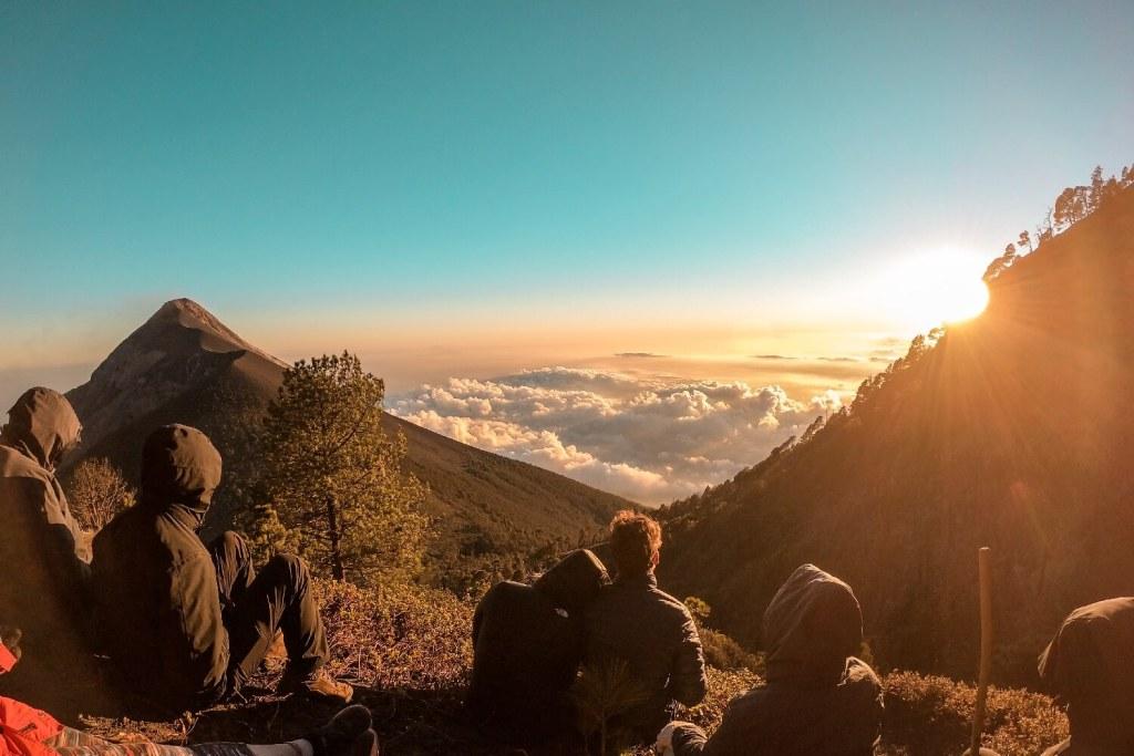 Sonnenuntergang am Vulkan Acatenango in Guatemala