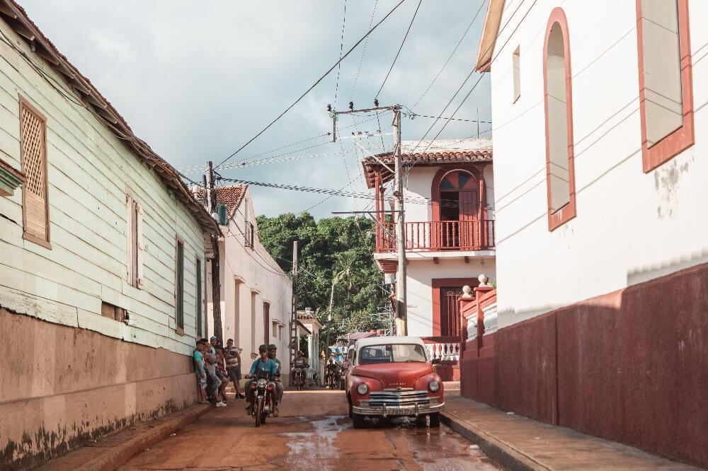 Straßenverhältnisse von Baracoa in Kuba