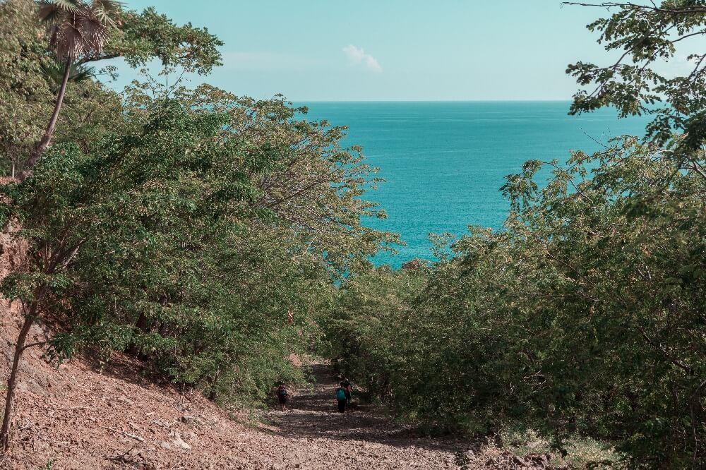 Abstieg zur Küste