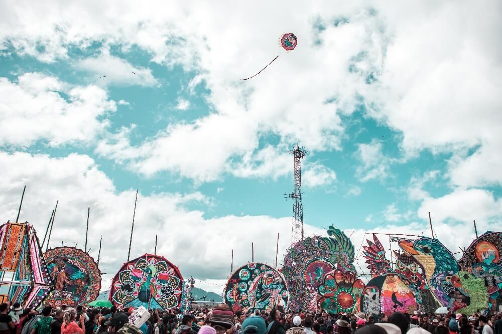 Drachenfest in Guatemala Himmel