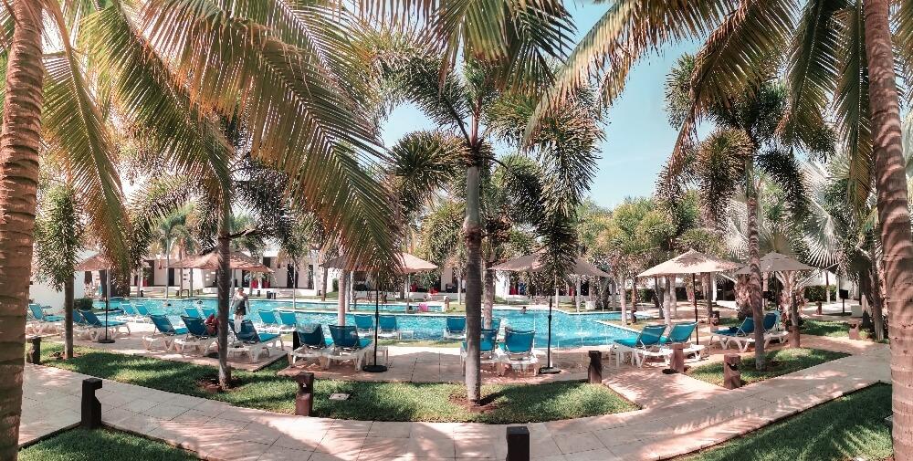 Hotel El Faro Poollandschaft