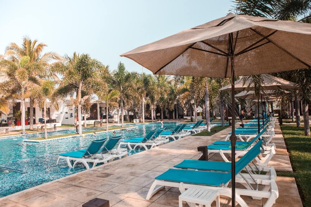 Hotel El Faro Pool