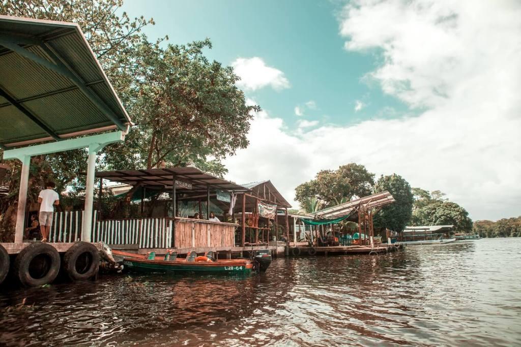 Tortuguero Nationalpark in Costa Rica Riverside Restaurant