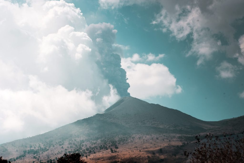 Regenzeit in Guatemala Vulkan Pacaya