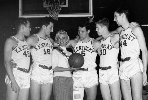 The first Kentucky Wildcats to go 25-0 were no slouches, either