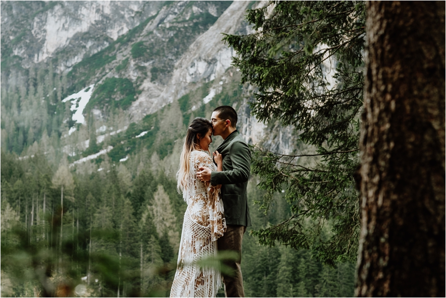 5 Tips For Planning A Hiking Elopement | Wild Connections