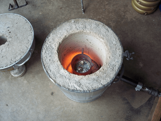 How to build a simple foundry (forge) and mold metal objects