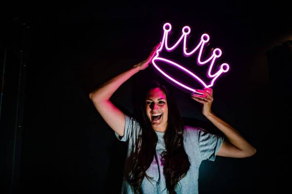 wildfire led neon crown pink led sign on ladies head