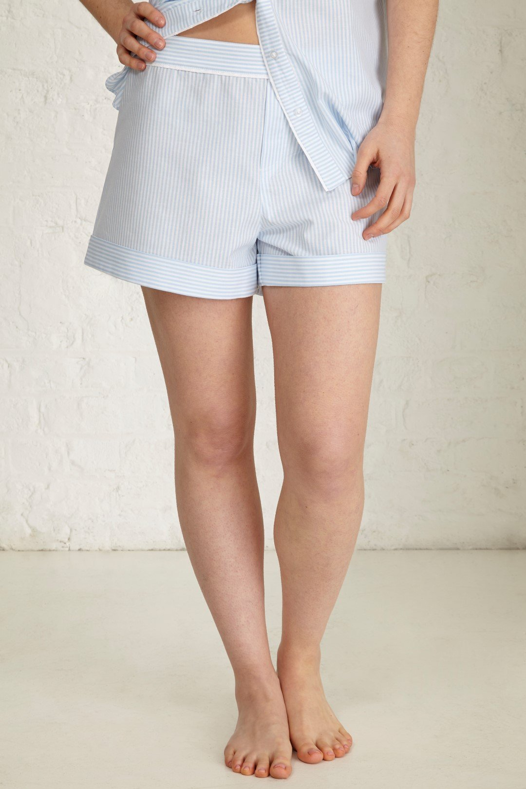 Find and save ideas about Striped shorts on Pinterest. | See more ideas about Stripe shorts, Black denim shorts and Black high waisted shorts.