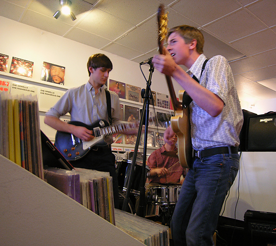 02_RSD_2014_instore_at_wild_honey_records_knoxville
