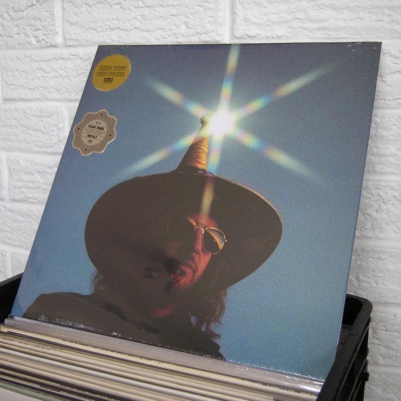 27-new-vinyl-o800px