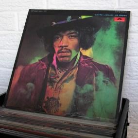 vintage-vinyl-dig-01