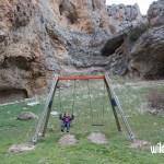 Columpios bajo el Moricacho. Excursión al Cañón de los Arcos en Calomarde