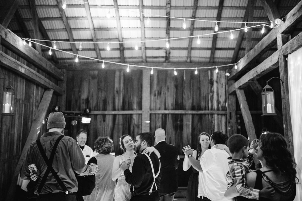 wild-native-photography-pittsburgh-wedding-photographer-jessie-and-mark_0810