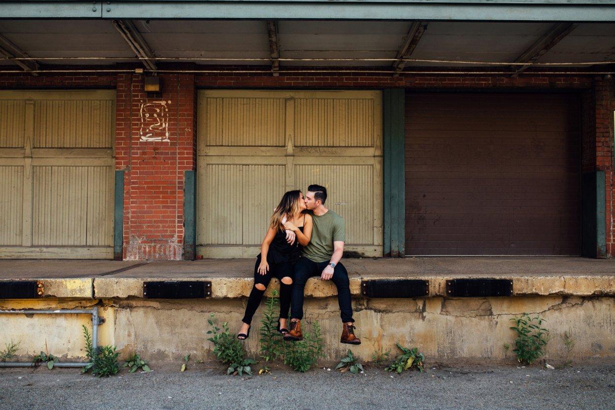 wild-native-photography-pittsburgh-strip-district-engagement-shoot-wildnativephoto-wedding_0888