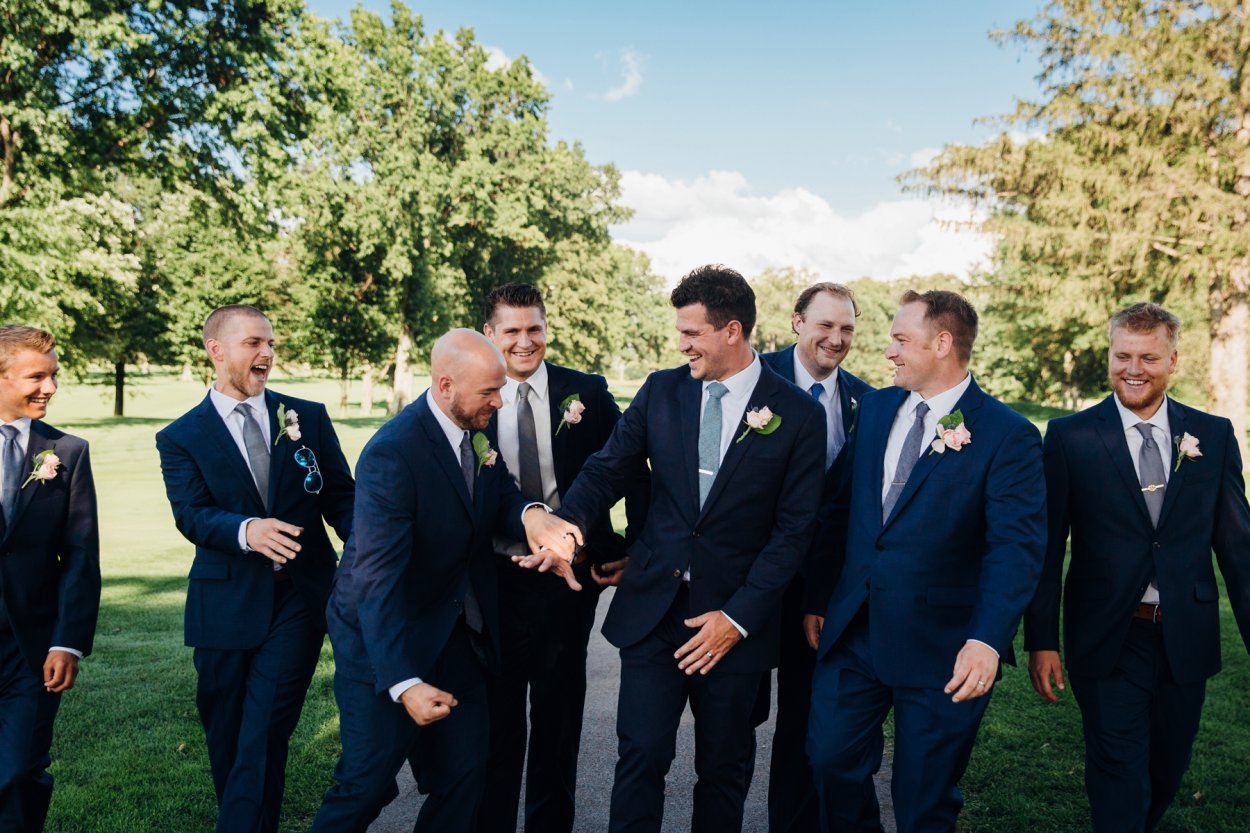 wild-native-photography-modern-pittsburgh-wedding-photographer-butler-country-club_1101