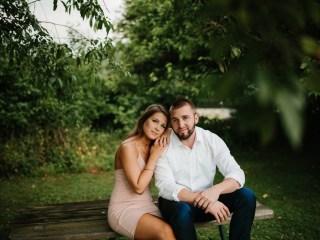 Katelyn + Corey - Hartwood Acres Engagement Session