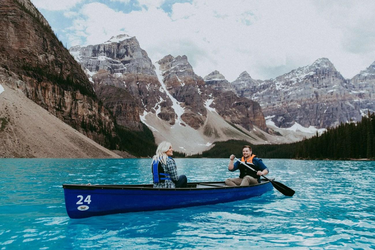 moraine lake lodge, moraine lake honeymoon, moraine lake lodge honeymoon, banff honeymoon, banff photographer