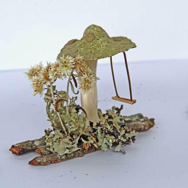 Powdered sassafras leaf on the cap of this mushroom.