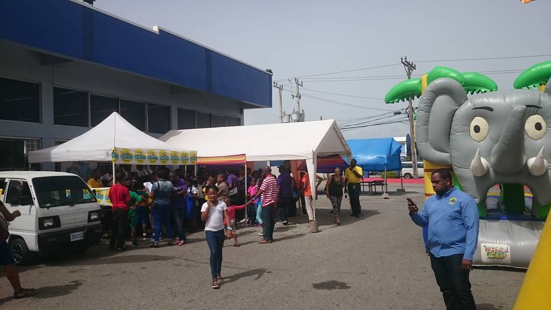 Another beautiful day out in our colors at Hilo Portmore