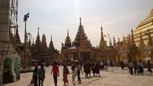 Sightseeing in Yangon: Shwedagon Pagoda and Big Buddahs