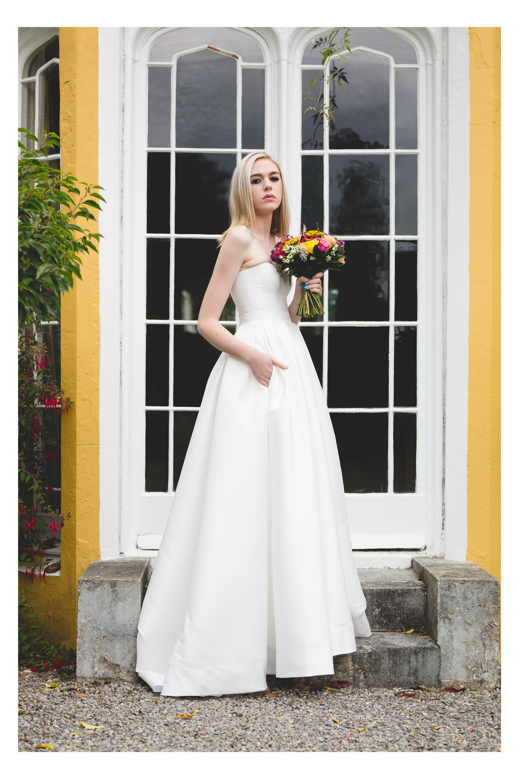 Sleeveless wedding dress with a sweetheart neckline
