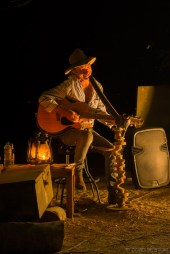 Des's quirky camp show