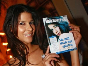 Micaela Schäfer in Brakel: Viel Nackte Haut geboten...