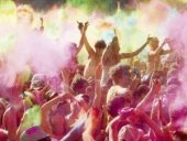 Farbbombe! Fest der Farben in ehemaliger JVA Kassel