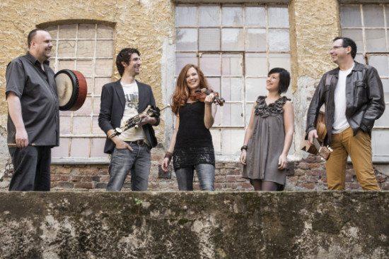 Die Irish-Folk-Band Cara