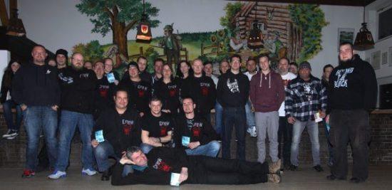 Die Crew des Fest-Evil