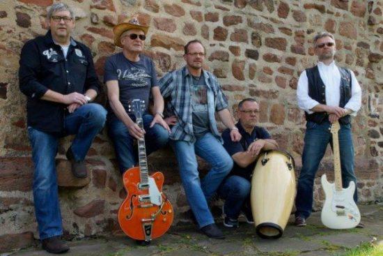 Eine der Bands auf dem Homberger Herbstmarkt: Mixhill