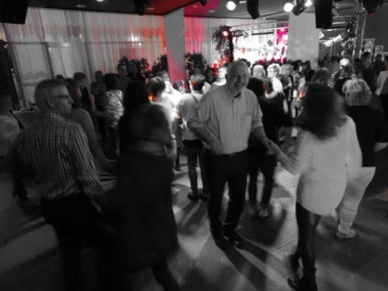 Die Ü-40-Partys haben im Veranstaltungskalender der Residenz Stadthalle einen festen Platz und locken immer wieder zahlreiche Gäste an. Foto: Julia Pfannkuche