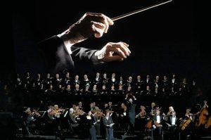 Über 100 Solisten, Sänger und Musiker der Milano Festival Opera Einstudierung und Musikalische Leitung: Marcin Wolniewski Dirigent: Marco Seco