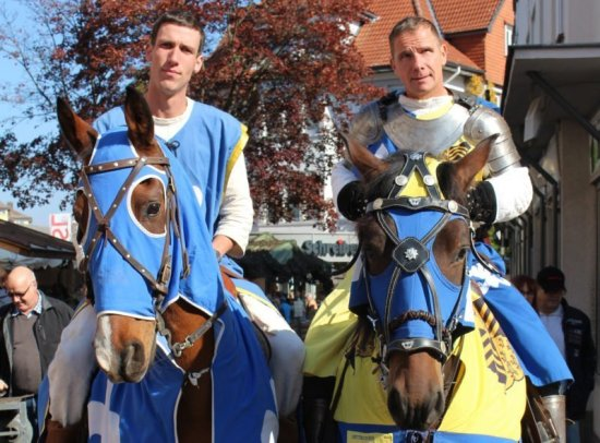 Ritter zu Pferd