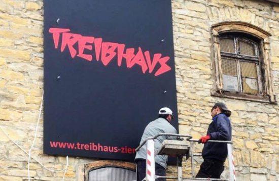 Das neue/alte Treibhaus-Logo hängt schon!