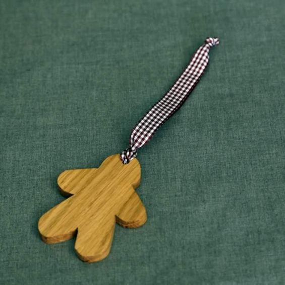 Gingerbread Man. Oak