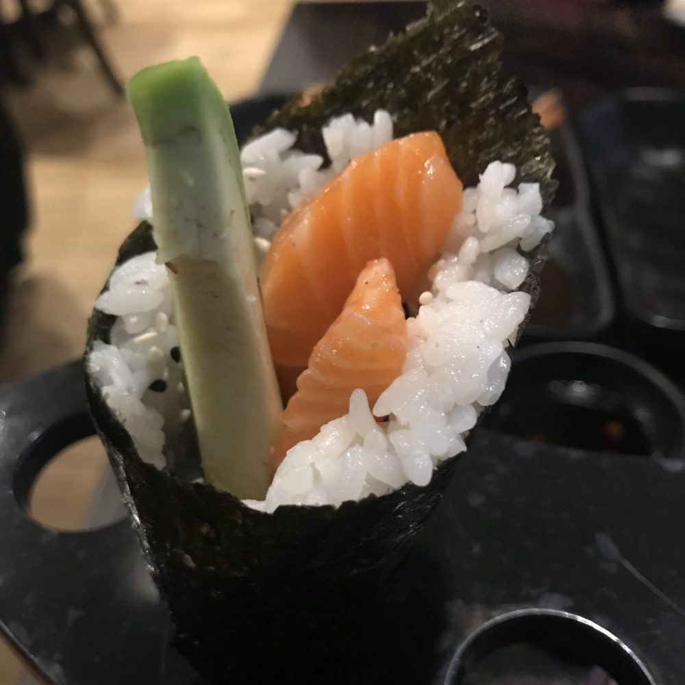 salmon and avocado temaki